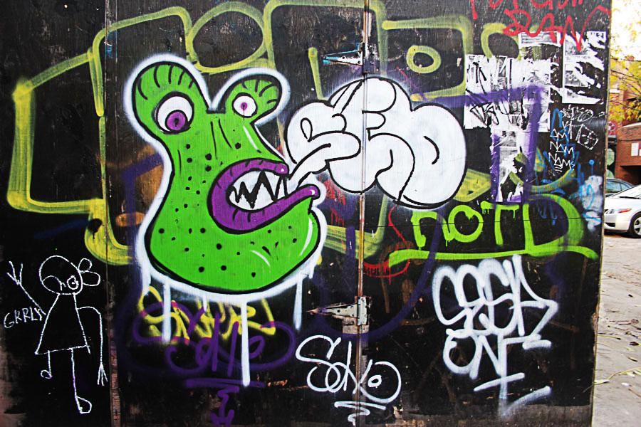 Graffiti Green Alien
